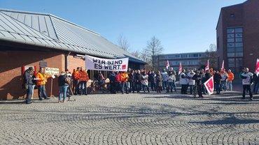 Foto von der Warnstreik-Aktion im öffentlichen Dienst am 14.2.17