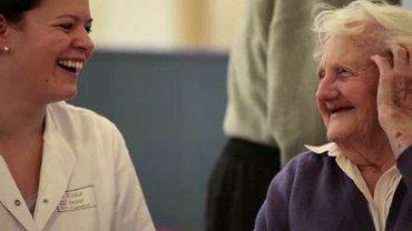 Interview mit einer Altenpflegerin